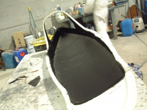 Primera capa de Fibra de Carbono sobre el modelo